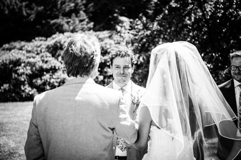 25-Veenendaal-Utrecht-bruidsfotografie-trouwfotograaf