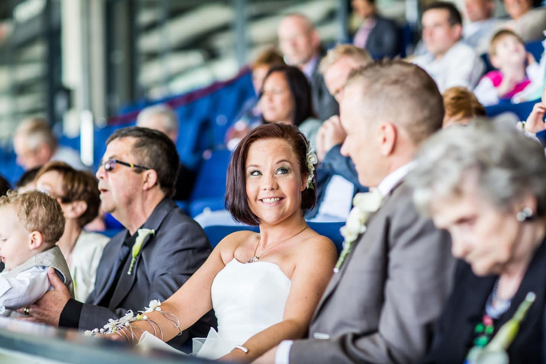 24-Tilburg-stadion-bruidsreportage-trouwfotograaf
