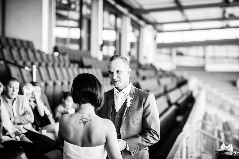 27-Tilburg-stadion-bruiloft-trouwfotograaf
