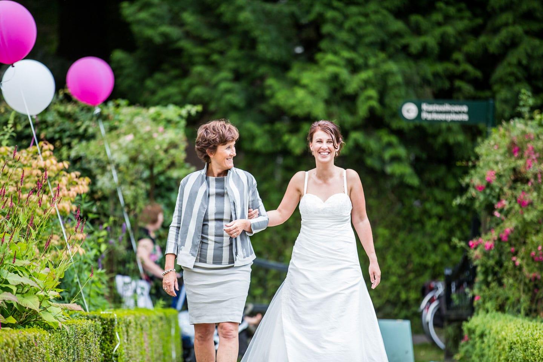 22-Kasteel-Geldrop-bruidsfotografie-trouwfotograaf