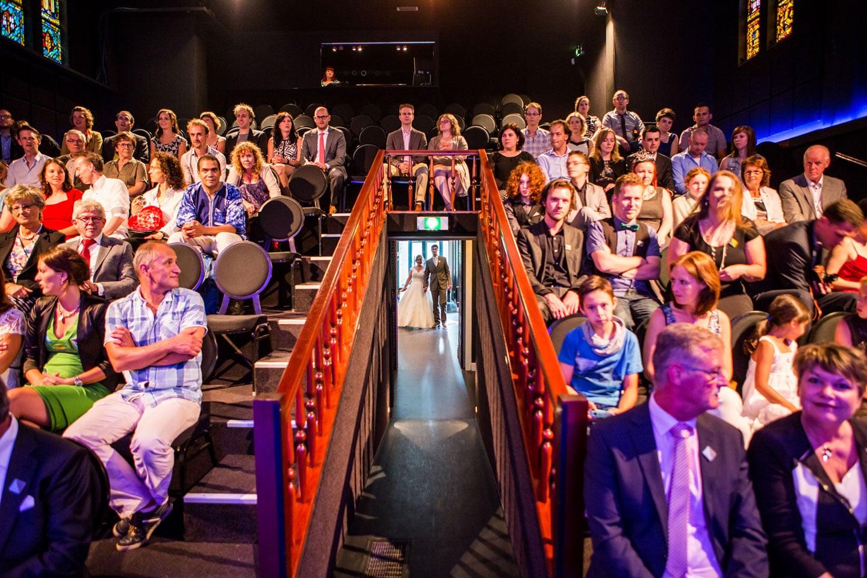 27-Klasse-Theater-Tilburg-bruidsfotografie-trouwfotograaf