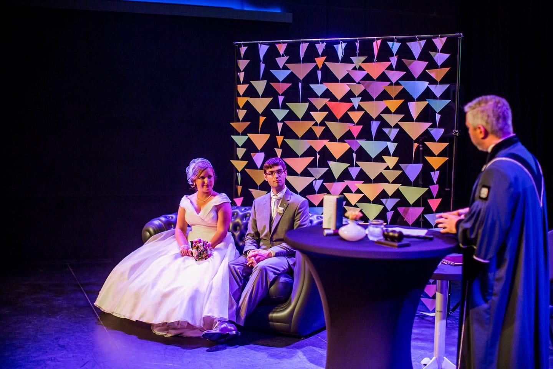 32-Klasse-Theater-Tilburg-bruidsreportage-trouwfotograaf