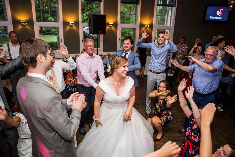 43-Klasse-Theater-Tilburg-bruidsfotografie-trouwfotograaf