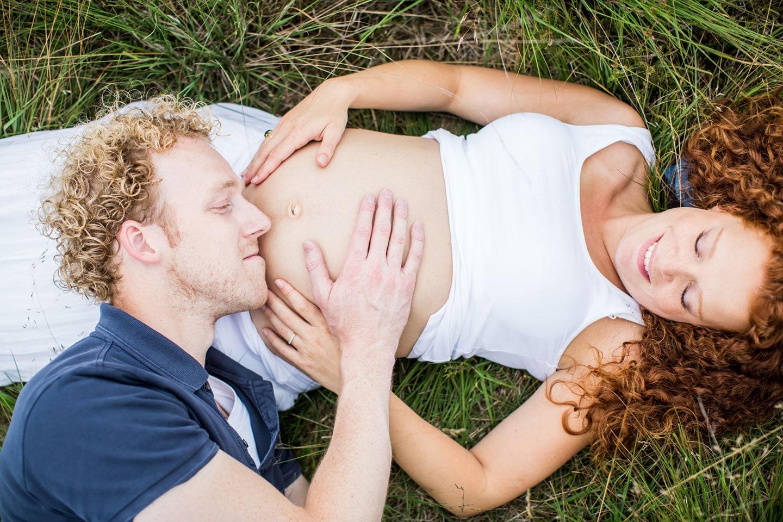07-zwangerschapsfotografie-buiten-bellyshoot