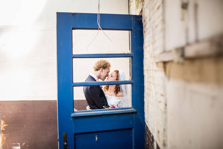 18-Oisterwijk-Leerfabriek-bruidsfotografie-trouwfotograaf