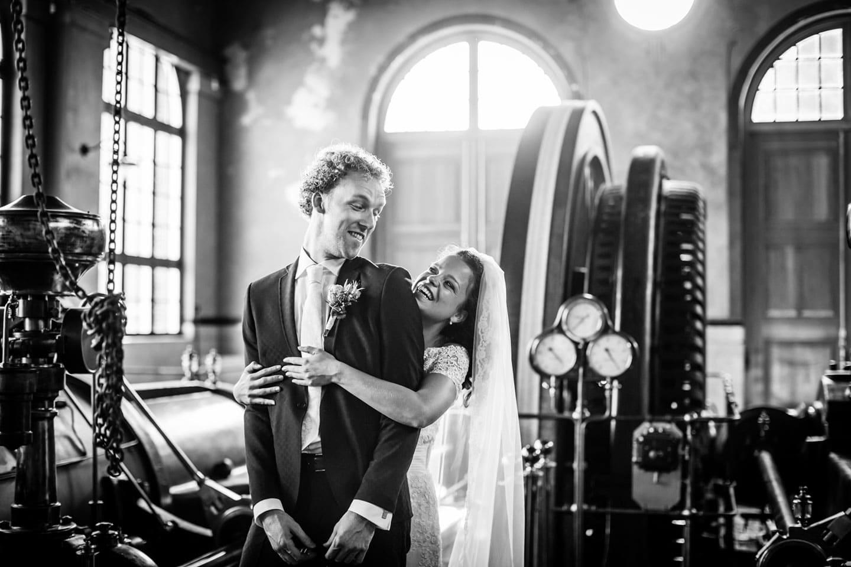 25-Oisterwijk-Leerfabriek-bruidsreportage-trouwfotograaf
