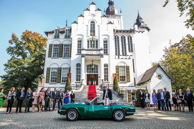 Bruiloft bij het stadhuis in Vught, omgeving Den Bosch