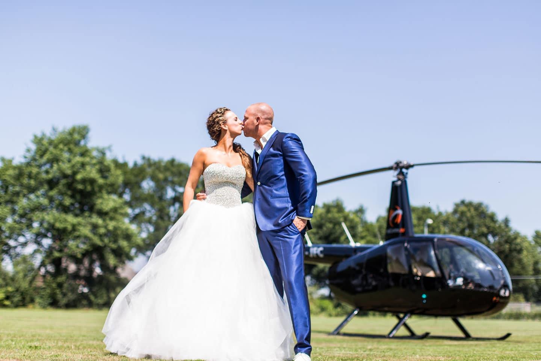 15-bruidsfotografie-trouwfotograaf-helikopter-bruiloft