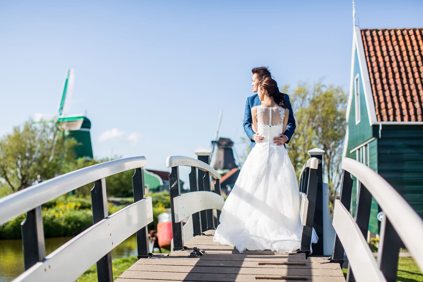 10-pre-wedding-loveshoot-Zaanse-Schans
