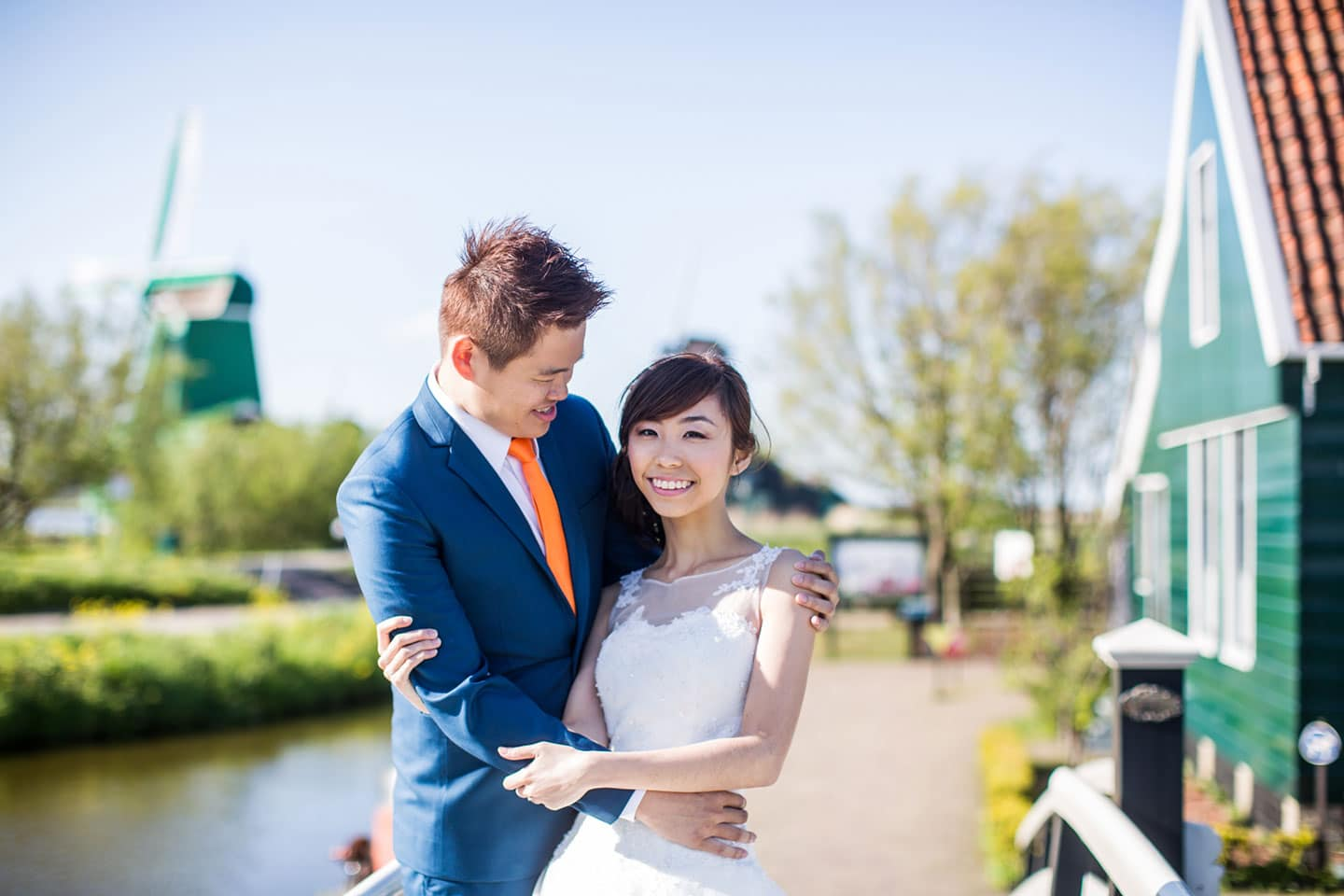 11-pre-wedding-photoshoot-Zaanse-Schans