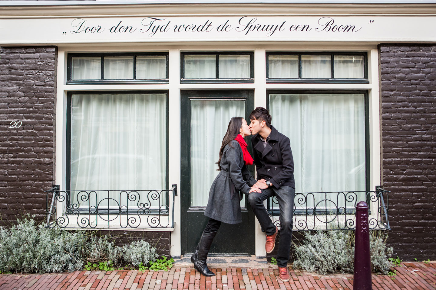 12-pre-wedding-love-shoot-Amsterdam