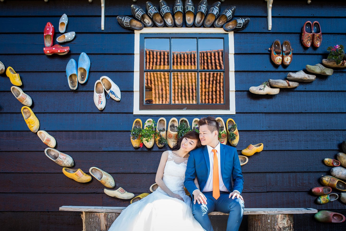12-pre-wedding-photoshoot-Zaanse-Schans