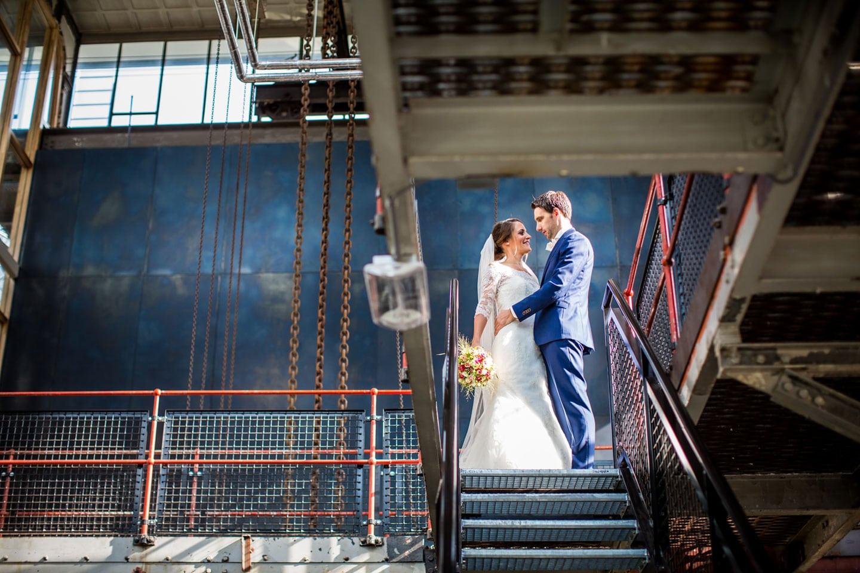 13-Strijp-s-Eindhoven-bruidsreportage-trouwfotograaf