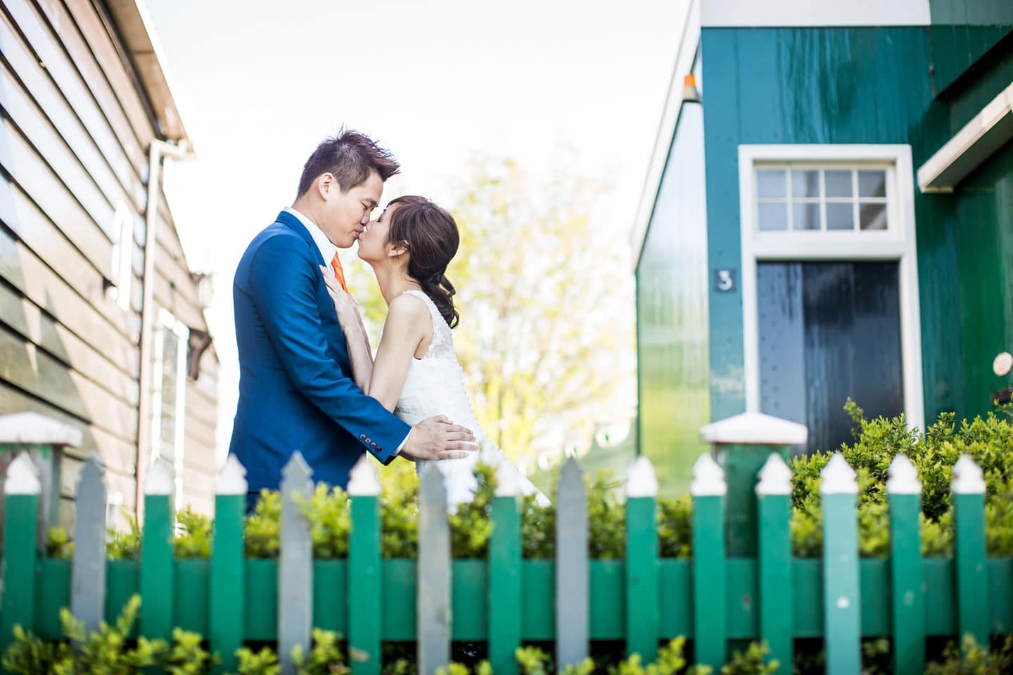 16-pre-wedding-photoshoot-Zaanse-Schans