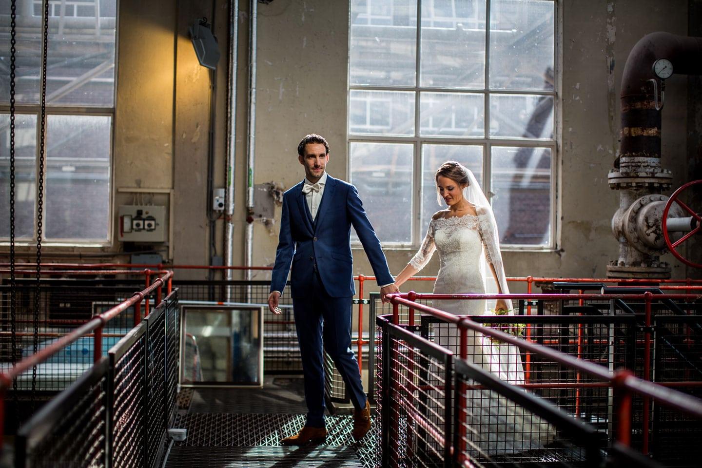 17-Strijp-s-Eindhoven-bruidsfotografie-trouwfotograaf