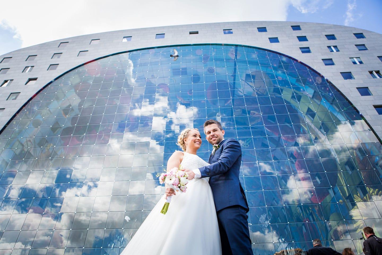 22-Rotterdam-Markthal-bruidsfotografie-trouwfotograaf