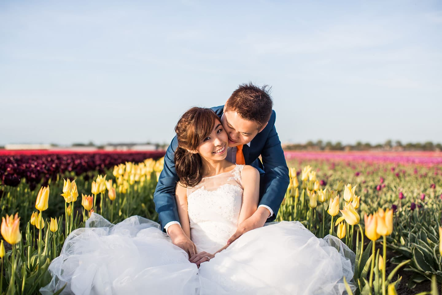 26-pre-wedding-photoshoot-tulips-Keukenhof