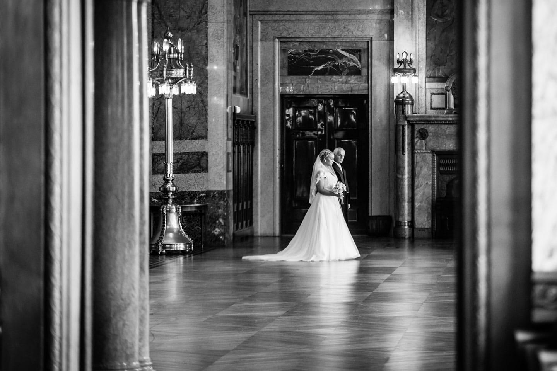 36-Rotterdam-stadhuis-bruidsfotografie-trouwfotograaf