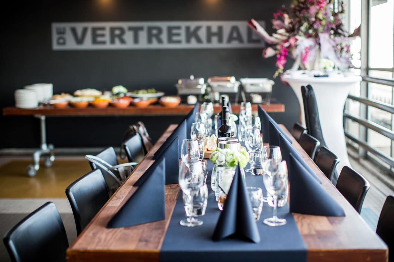 61-Rotterdam-Vertrekhal-bruidsfotografie-trouwfotograaf