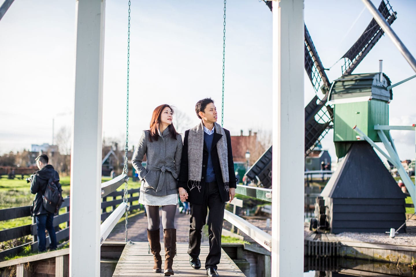 05-Zaanse-Schans-Amsterdam-windmills-prewedding-shoot