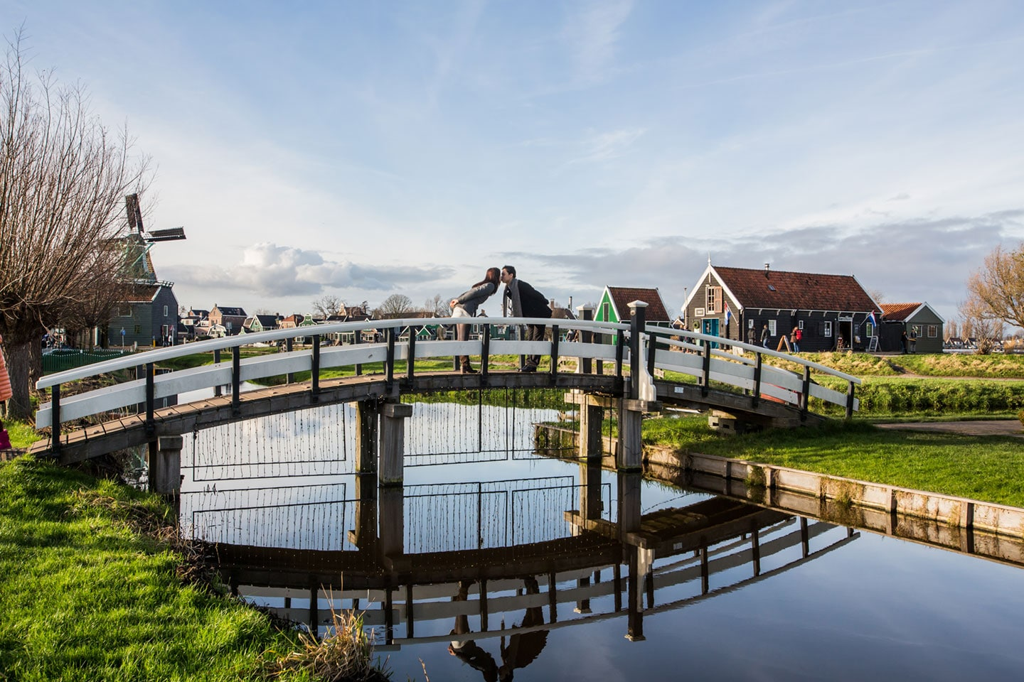 07-Zaanse-Schans-Amsterdam-prewedding-love-shoot