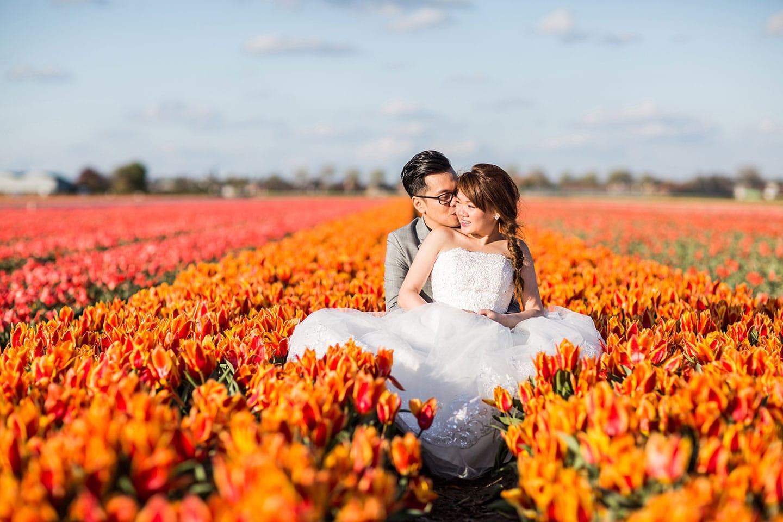 01-Keukenhof-pre-wedding-tulips0000