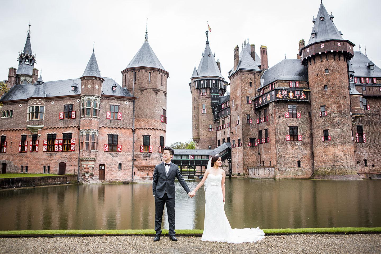 01-kasteel-de-haar-prewedding-castle-photoshoot