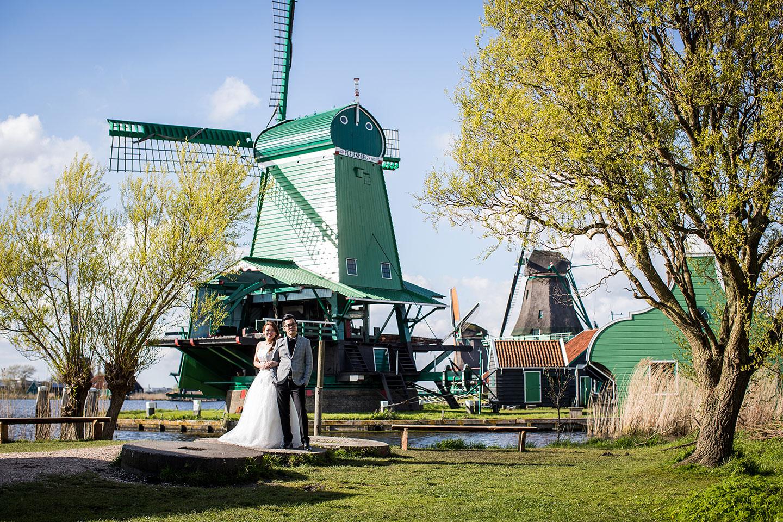 10-Keukenhof-pre-wedding-tulips