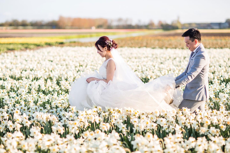 17-Keukenhof-pre-wedding-tulips