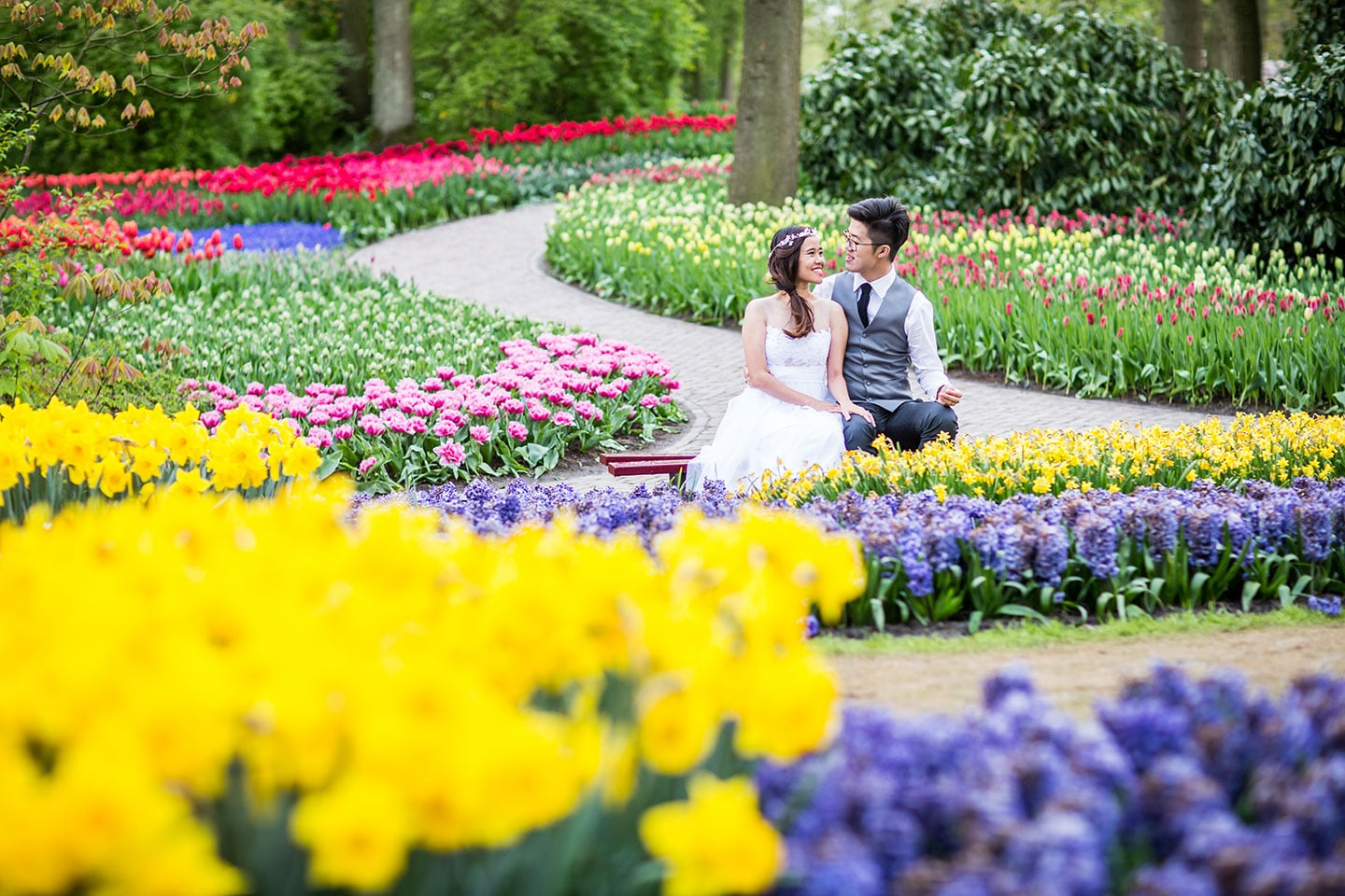 22-Keukenhof-prewedding-tulips-photographer