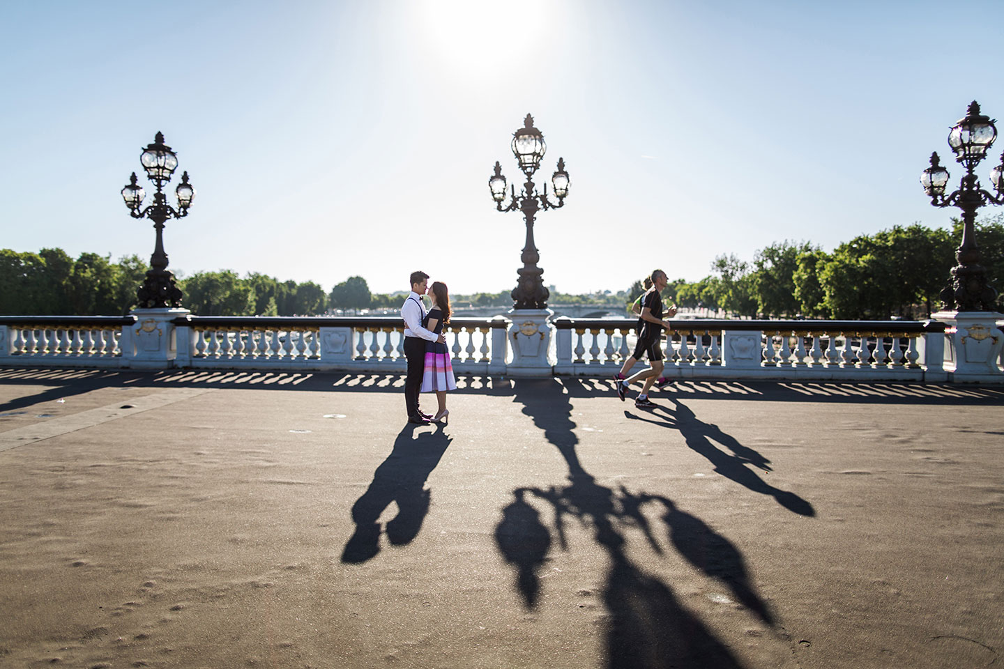 Sunrise pre wedding in Paris