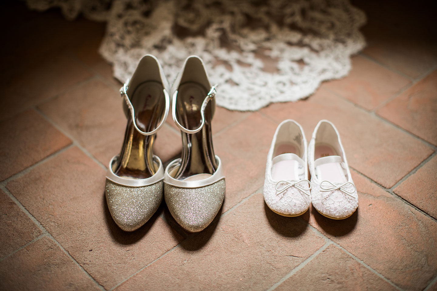 Wedding shoes Tuscany wedding photographer