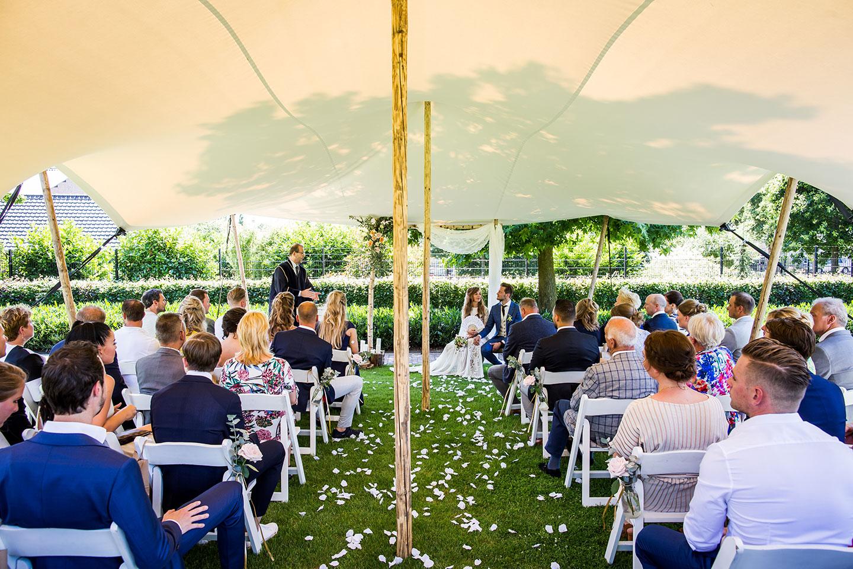 Bruiloft in de eigen tuin