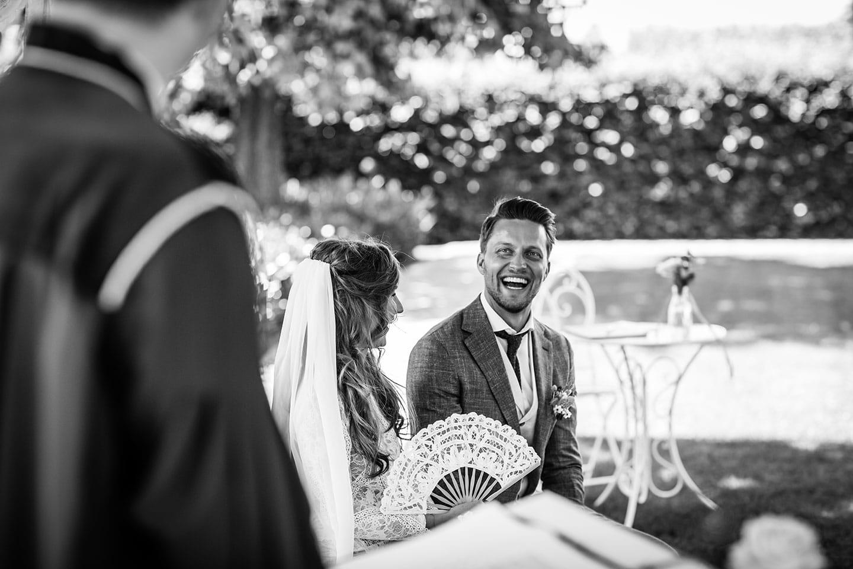 Bruidsfotografie backyard wedding