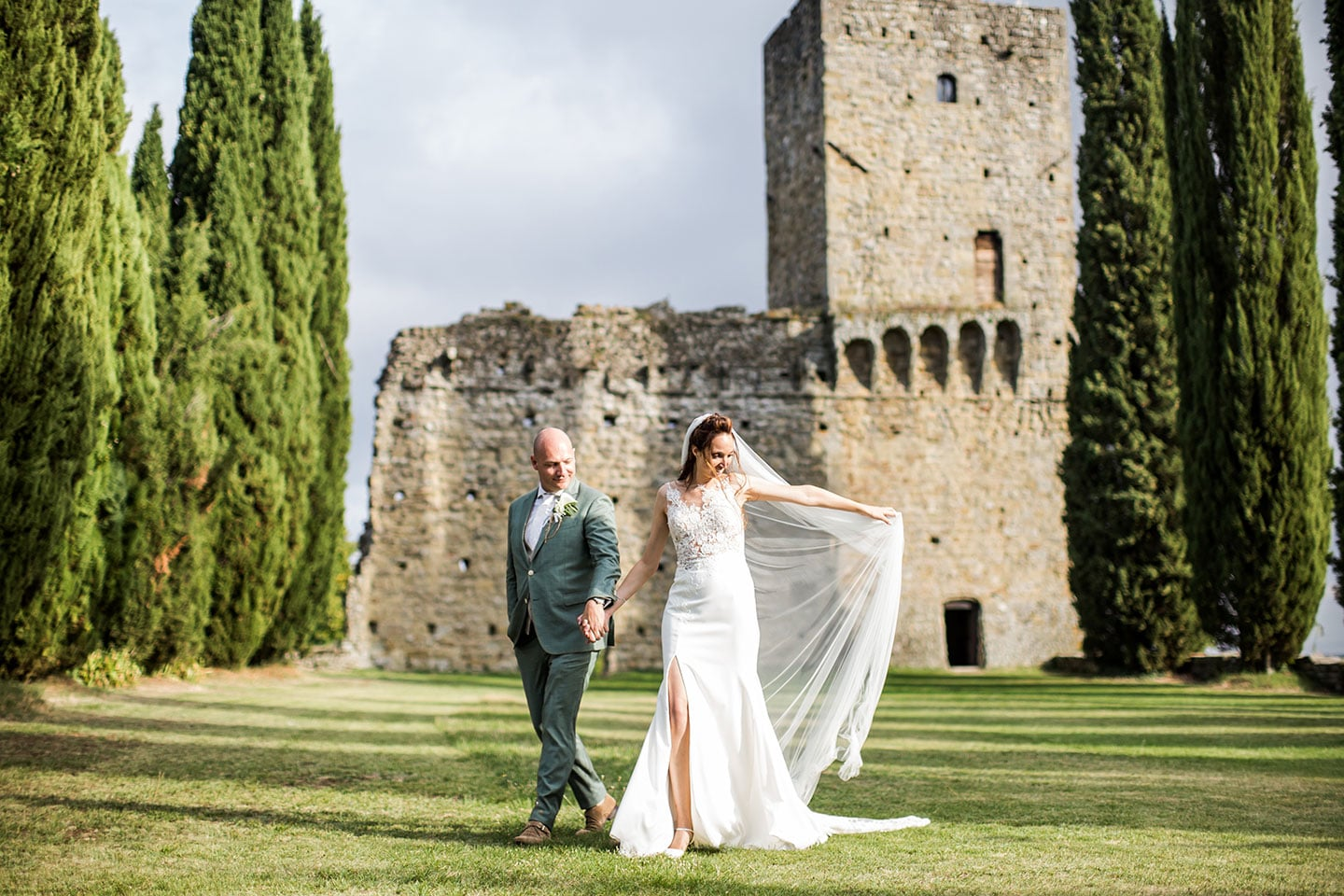 Wedding photography Tuscany at medieval castle