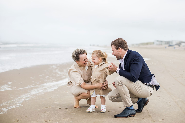 Familieshoot Bergen aan Zee op het strand