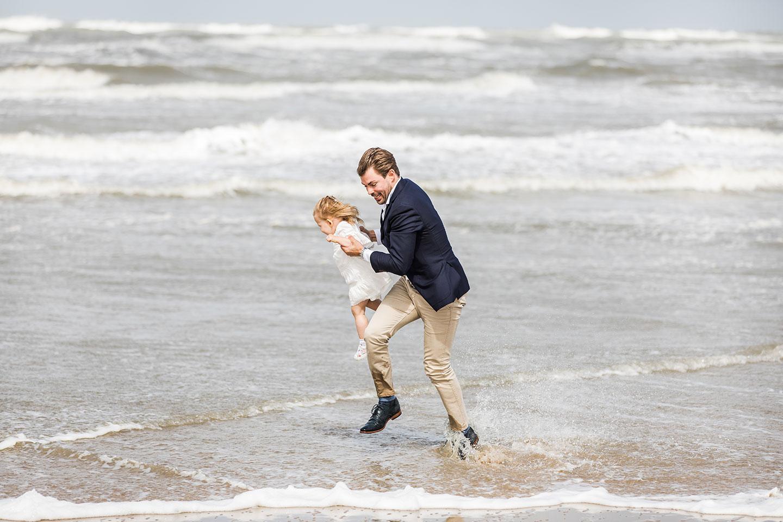 Beach photoshoot Holland family