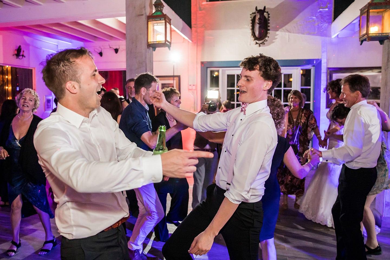 Historic Walton House Wedding Guests Dancing