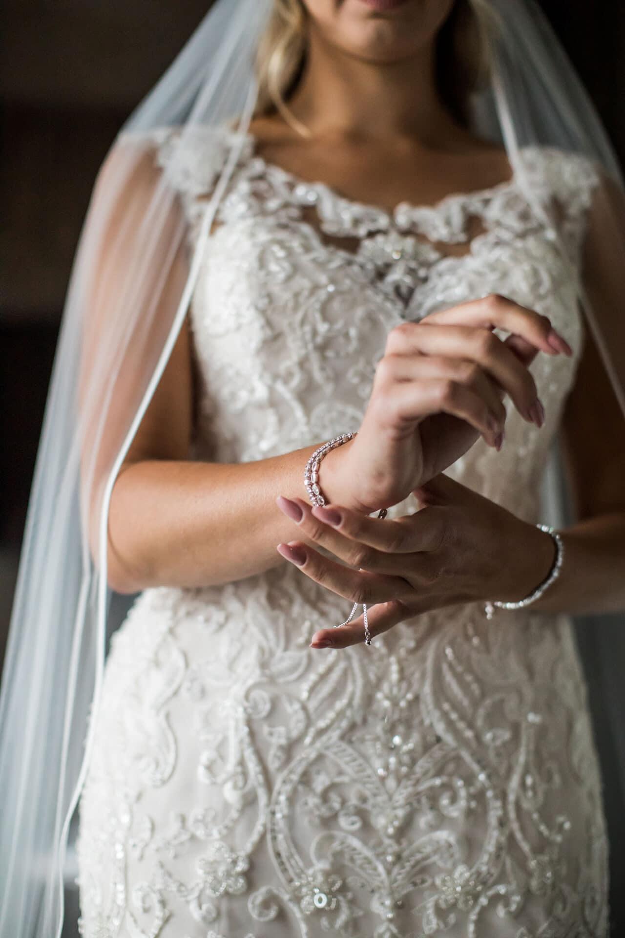Bruid met mermaid trouwjurk