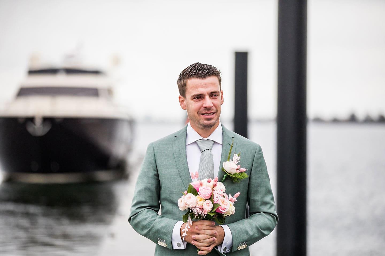 Bruidegom corona bruiloft
