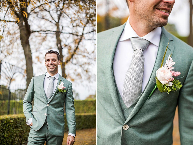 Bruidegom groen trouwpak